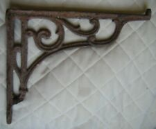 Vintage cast iron bracket, 8.5 inch, scroll pattern