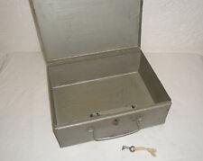 Coffre fort Cassette métallique Coffre de sureté Clé particulière TBE