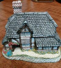 British Traditions The Bull & Bush David Winter Handmade December House Figurine
