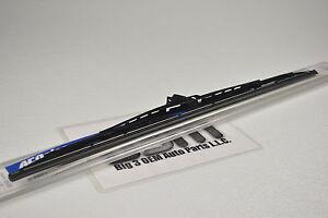 Pontiac Vibe G3 Saturn S Series RH Side Windshield Wiper Blade new OEM 19192672