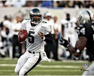"Donovan McNabb Philadelphia Eagles Unsigned Dropping Back to Pass 8"" x 10"" Photo"
