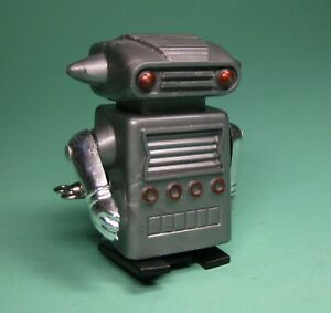WIND UP UNI PET WALKING SPACEMAN ROBOT B BY HERO MADE IN JAPAN FROM OLD STOCK!