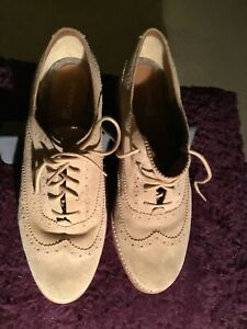 Sperry shoes women size 9. Only worn once. Winter shoes Beije Suede