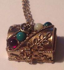 Vtg Avon Queens Ransom Pill Box/Chain Necklace Gold Tone Treasure Chest Pendant