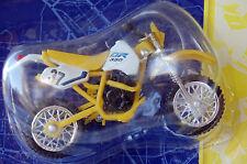 SUZUKI  DR350 1/24th   MODEL  MOTORCYCLE