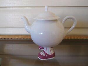 Carlton Ware Walking Ware Teapot England 1970s