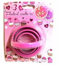 3x Fluted Pastry / Cookie Cutter Give your Backing the finishing Touch, Assorted