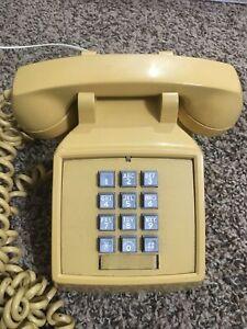 Vintage ITT Model 2500 Series BUTTER YELLOW Push Button Dial Desktop Telephone
