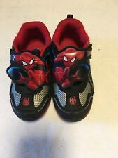 Boys Spiderman Size 7.5 Shoes Used