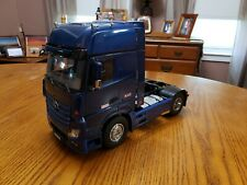Tamiya 1/14 Mercedes Benz Actros Gigaspace 1851 Semi Tractor