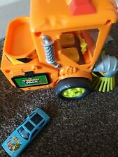 Trash Pack Road Sweeper Toy with toy car