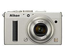 Nikon Coolpix A silber -Digitalkamera- Sehr guter Zustand