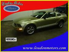 Ford : Mustang V6 Deluxe