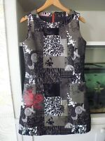 JOE BROWNS BLACK & WHITE PATCHWORK EFFECT DRESS - RED DETAIL - SIZE 12