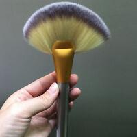 Makeup Cosmetic Tool Large Fan Blush Powder Foundation Brush Top