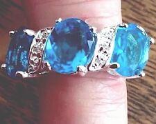 RING TWINKLING BLUE & WHITE TOPAZ GEMSTONES,  3 STONE  SIZE 6