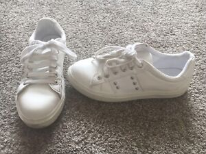 Older Girls Size 3 White Trainers From New Look