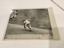 7x9 Original wire photo Gil Hodges Jackie Robinson Brooklyn Dodgers