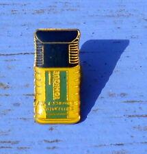 Pin's Tonique aux essences naturelles, fin des années 1980-début des années 1990