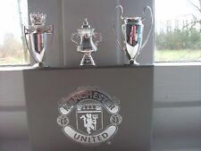 Manchester United F.C. gli alti 1999 3 MINI TROFEI d'argento in metallo in scatola RARO