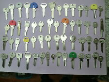 großes Konvolut alter Schlüsselrohlinge für Schließzylinder - 56 Schlüssel