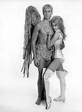 PHOTO BARBARELLA - JANE FONDA  ET JOHN PHILLIP LAW - 11X15 CM  # 1