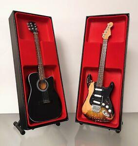 (Bon Jovi) Jon Bon Jovi & Richie Sambora - Miniature Guitar Set