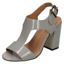 Sandali e scarpe casual grigio con fibbia per il mare da donna