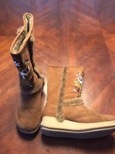 Report Leather Nanuk Boots Size 5.5 Floral Embroidery