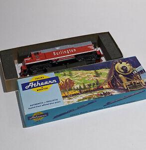 TESTED HO Scale ATHEARN BURLINGTON #997 - GP35 Diesel Engine Locomotive Train