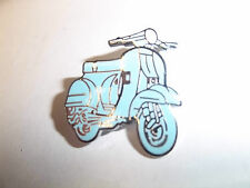 SCOOTER PIN BADGE 'VESPA SCOOTER TURQUOISE' SCOOTER LAPEL BADGE - BG29A
