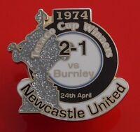 Danbury Pin Badge Newcastle United Football Club vs Burnley FC Texaco Cup 1974