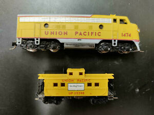 Micro-Trains Union Pacific F Unit and Caboose W/Magne-Matic Couplers Z Scale