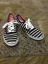 Aeropostale Women's Sz 6 M Black White Stripped Cute shoes Casual Sneakers