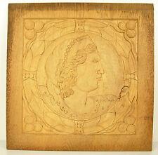 Profil de femme coiffée Bas-relief en bois sculpté carved wooden panel 30 cm