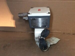 """NEW ABB 10D1475TN02PD29AY52A11A2C1 FLOW METER 1/4"""" SUBMERSABLE"""