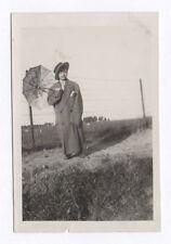 PHOTO ANCIENNE Costume Déguisement 1930 Travesti Enfant Ombrelle Manteau Drôle