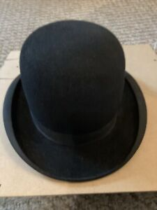 Rare Vintage Vadim Bowler hat with Union stamp inside. Size 6 7/8.