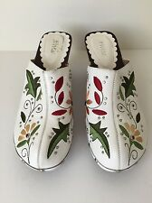 Boho Floral Flower Embroidered White Leather Clogs size 8 Never Worn