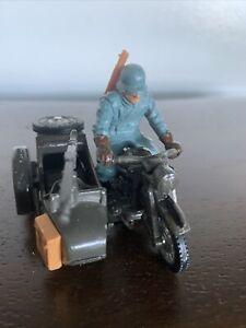 BRITAINS LTD. DIE CAST GERMAN BMW MOTORCYCLE W/ Driver And Sidecar