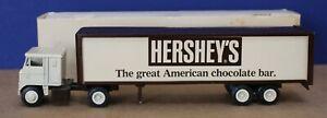 Winross 1:64 White 7000 w Trailer Hershey's Chocolate World 1975 Boxed