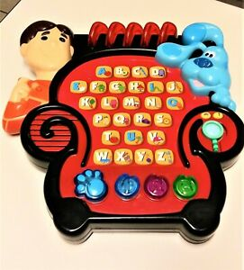 Blue's Clues Electronic Learn Alphabet Blue/Joe's Learning Game Notebook Chair