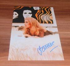 Catherine Deneuve, original signed Photo 20x25 cm (8x10) *IN PERSON*