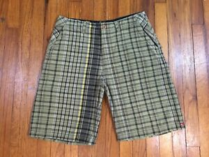 """Quiksilver Green Plaid Board Casual Shorts Trunks Men's Size 32 With 10"""" Inseam"""