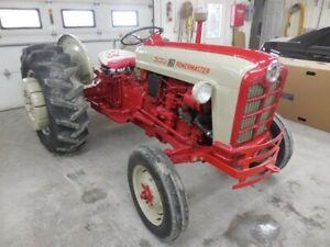 Ford 861 Powermaster diesel tractor