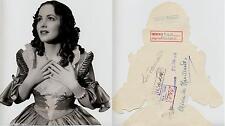Año 1935. Olivia de Havilland. Fotografía recortada de la jovencísima artista.