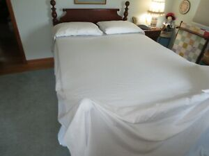 """UNUSED Vtg. BASSETTI Cotton EMBROIDERED FLAT SHEET & 2 PILLOW CASES - 90"""" x 106"""""""