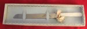 Vintage Treasure Masters Pearlized Handle Serrated Wedding Cake Knife MIB