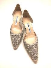 MANOLO BLAHNIK Gray Floral Embroidered Beige Canvas Kitten Heel Pumps Shoes 39.5
