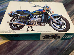 HONDA GOLD WING GL 1100 Gold Wing FuJimi 1:15 MODEL ROAD RACE MOTORCYCLE TOY
